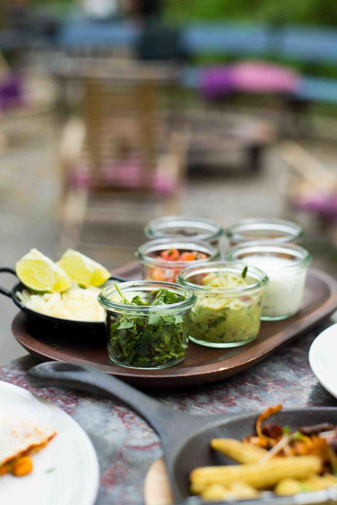 Mexikanische Vorspeisenplatte im Restaurant Blitz in München