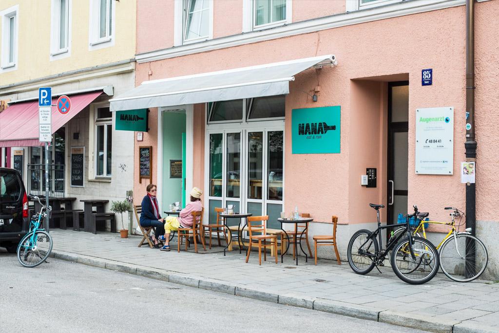 Falafeln essen in München - das Nana Eat und Run in Haidhausen