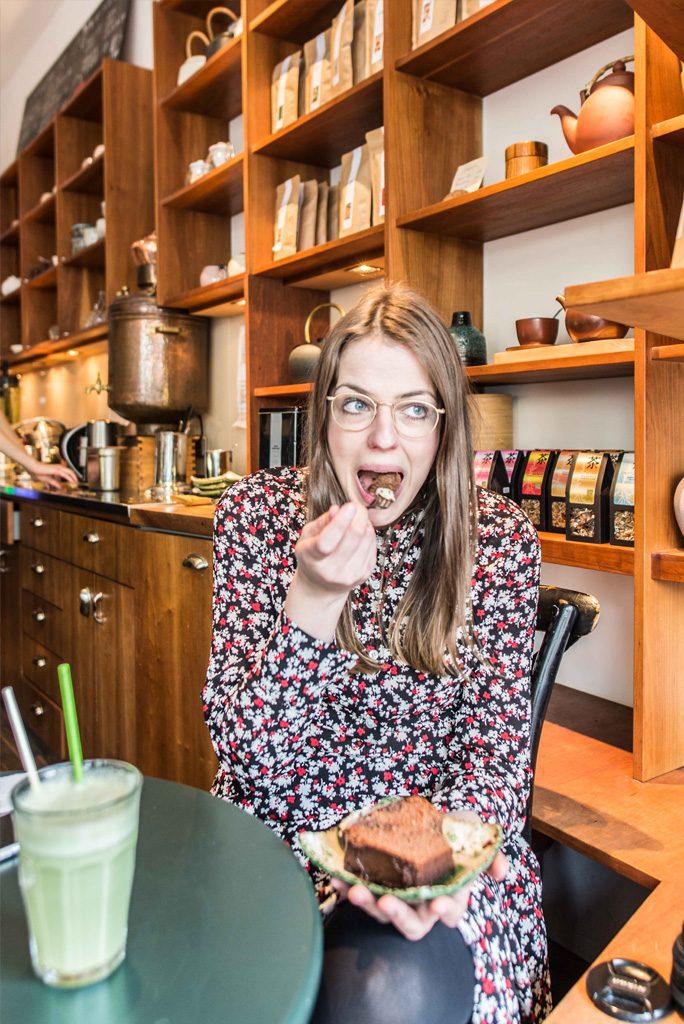 Matcha trinken im Tushita Teehaus in München