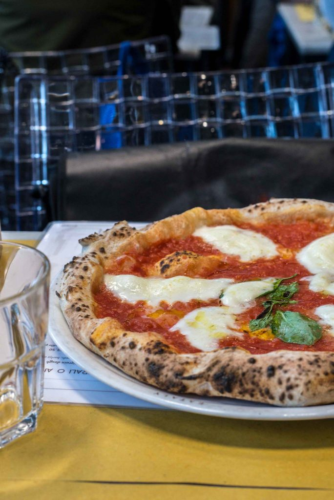 Neapolitanische Pizza in München im Eataly