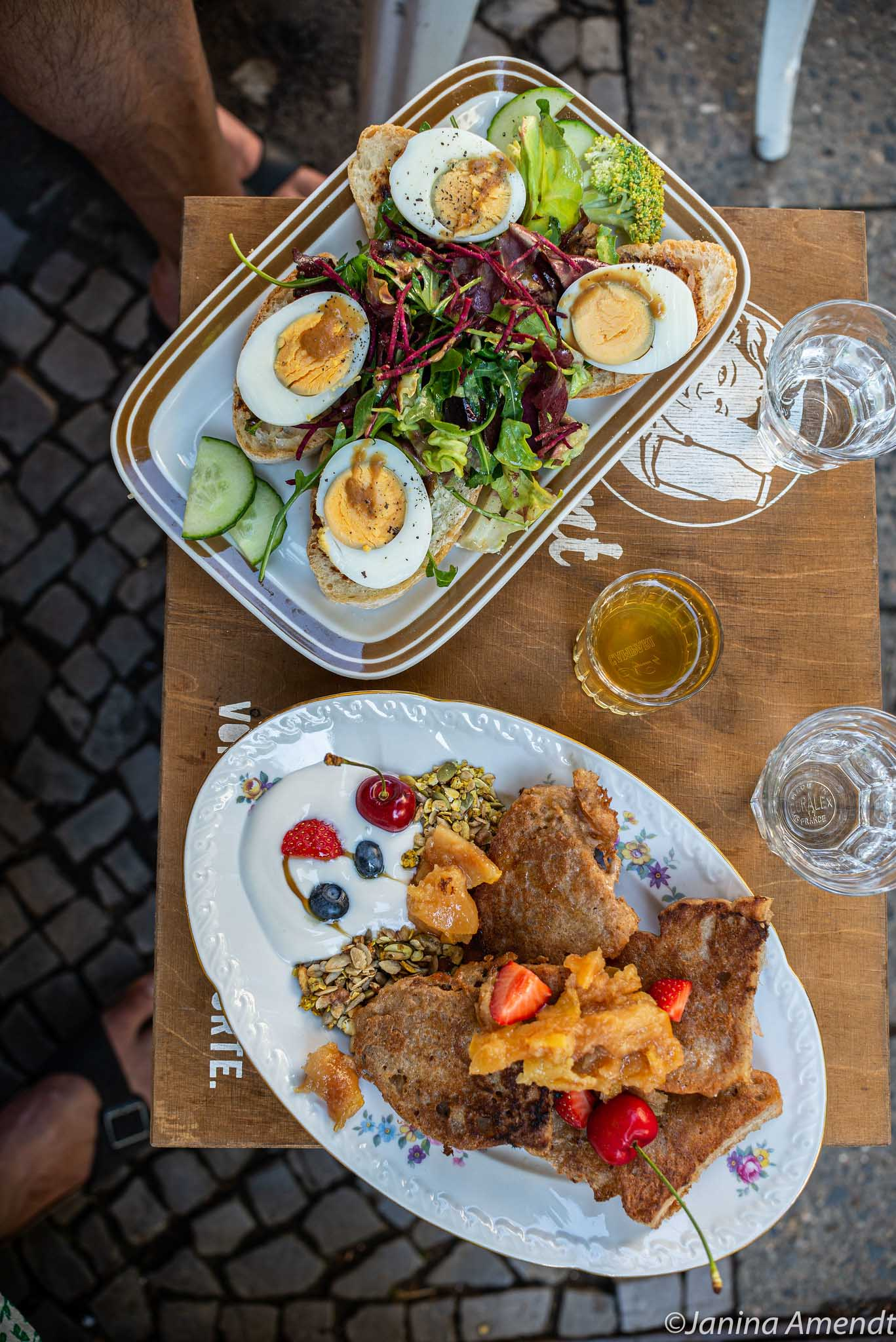 Frühstück im Café Pomeranze in Neukölln